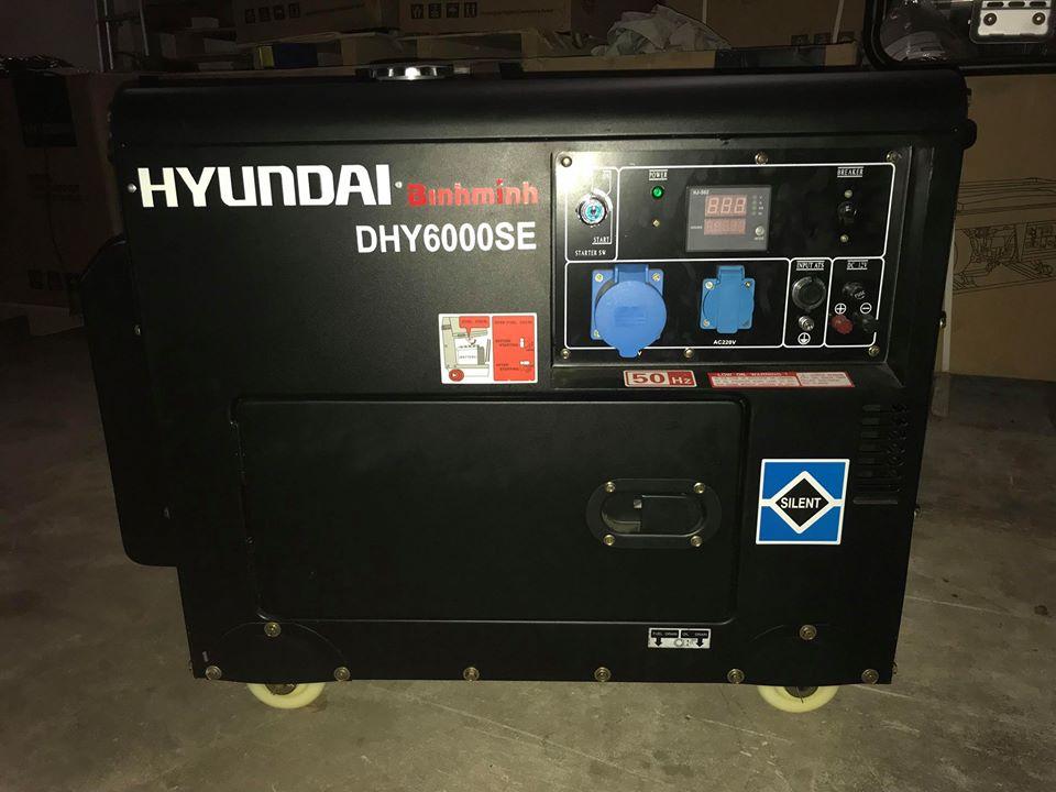 Hình ảnh khách hàng khi mua máy phát điện DHY6000SE